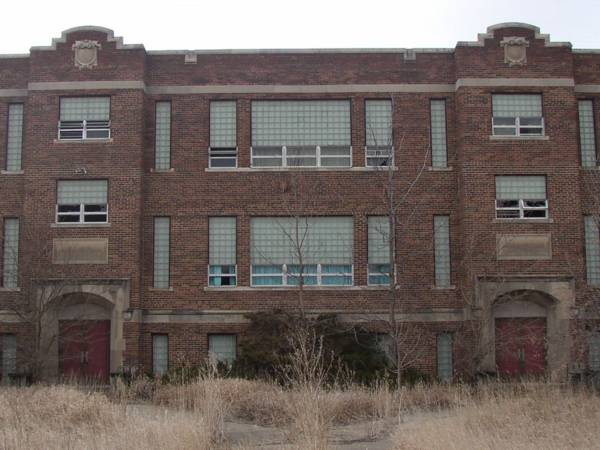 Great western iowa road trip - The house in the abandoned school ...